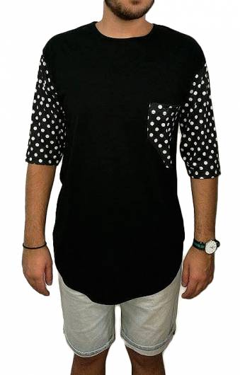 T-shirt - Black and Dots -